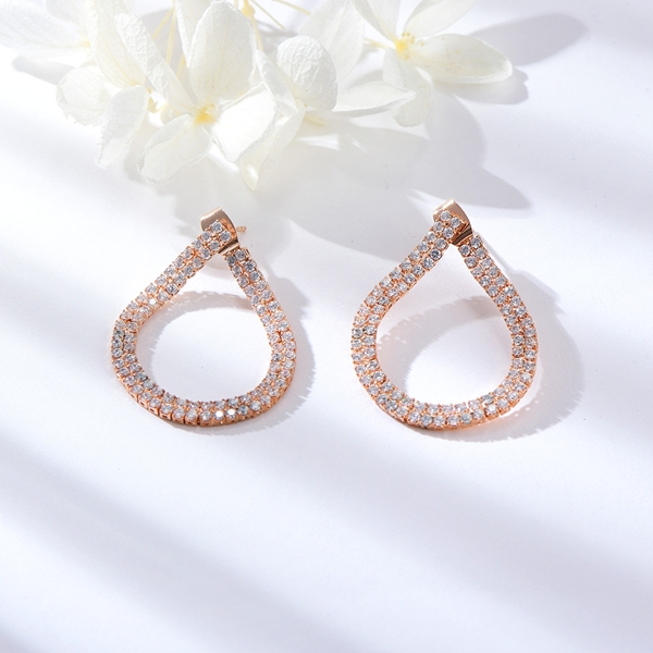 Picture of Delicate Medium Dangle Earrings with Beautiful Craftmanship