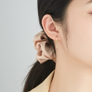 Picture of 925 Sterling Silver Gold Plated Small Hoop Earrings in Flattering Style